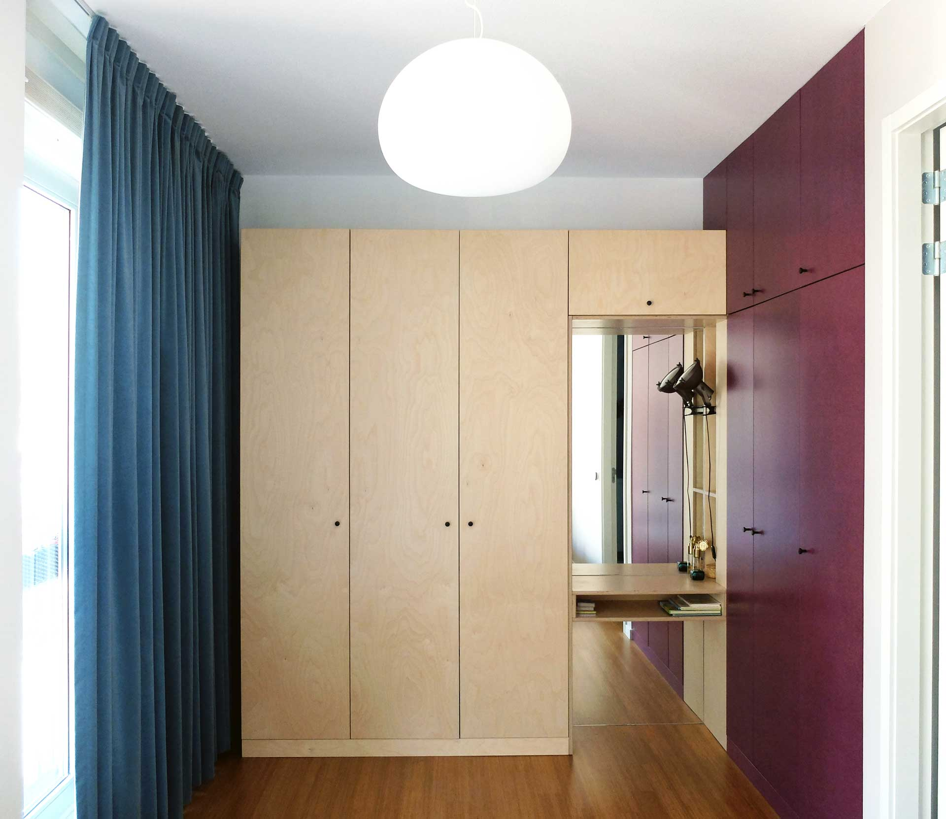 Lagado-architects-workhome-noordereiland-interior-multiplex-birch-purple-valchromat-blue-curtain