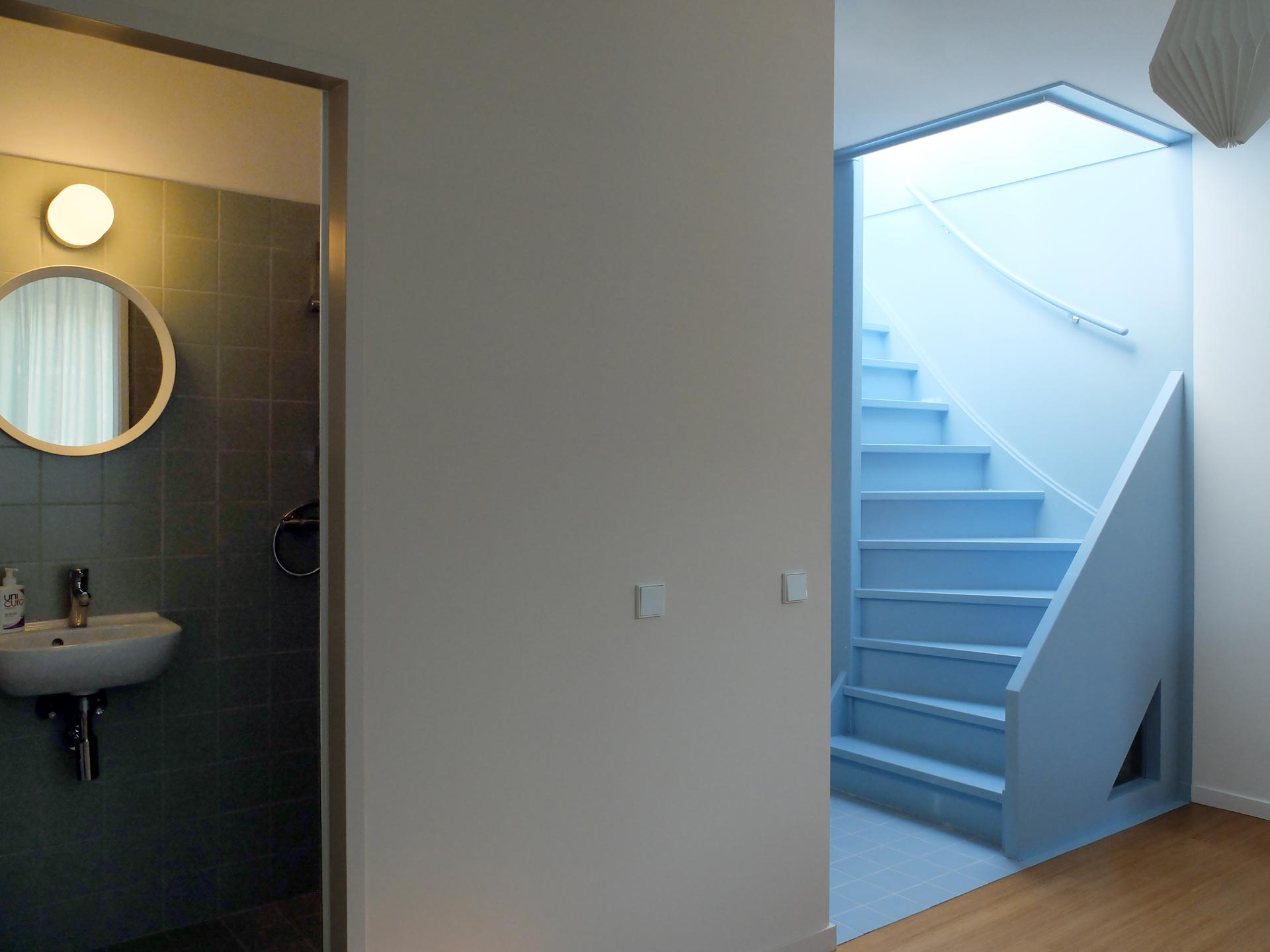 Lagado-architects-workhome-noordereiland-interior-pantry-blue-stair-bathroom-green-tiles