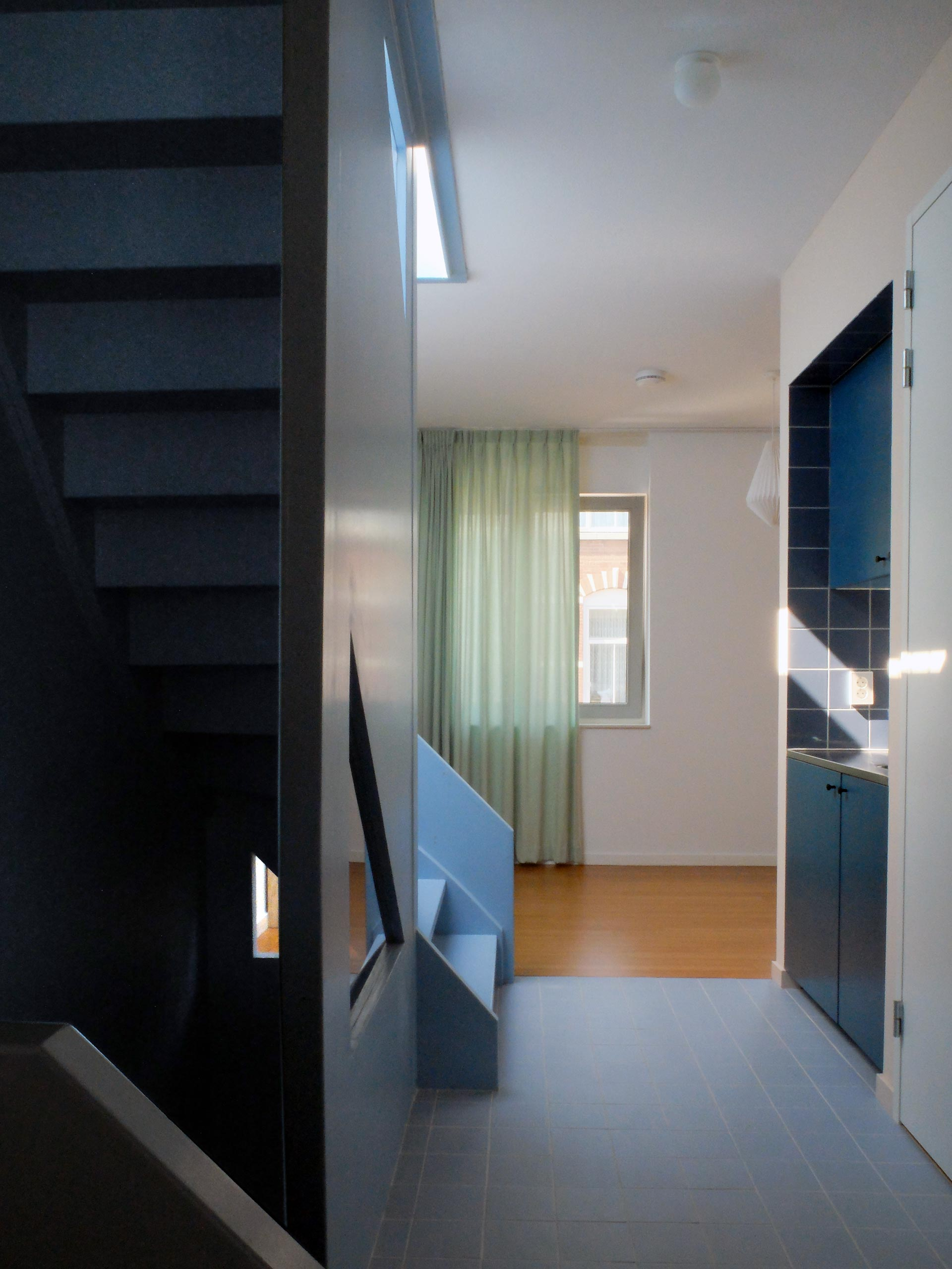 Lagado-architects-workhome-noordereiland-interior-pantry-blue-stair