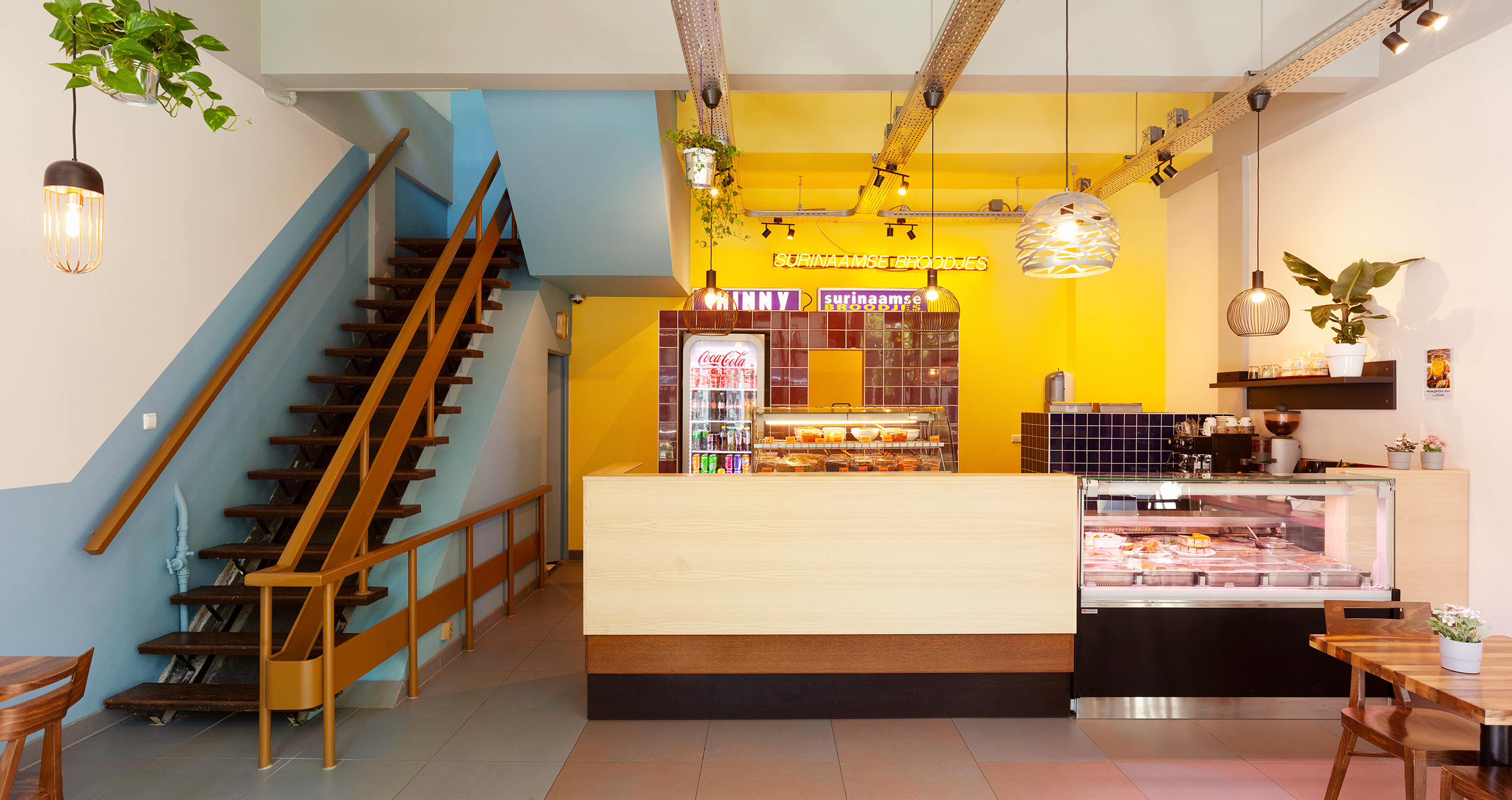 Lagado-architect-chinny-surinaamse-broodjes-interieur-kleur-lijnbaan-rotterdam-Ruben-dario-kleimeer3