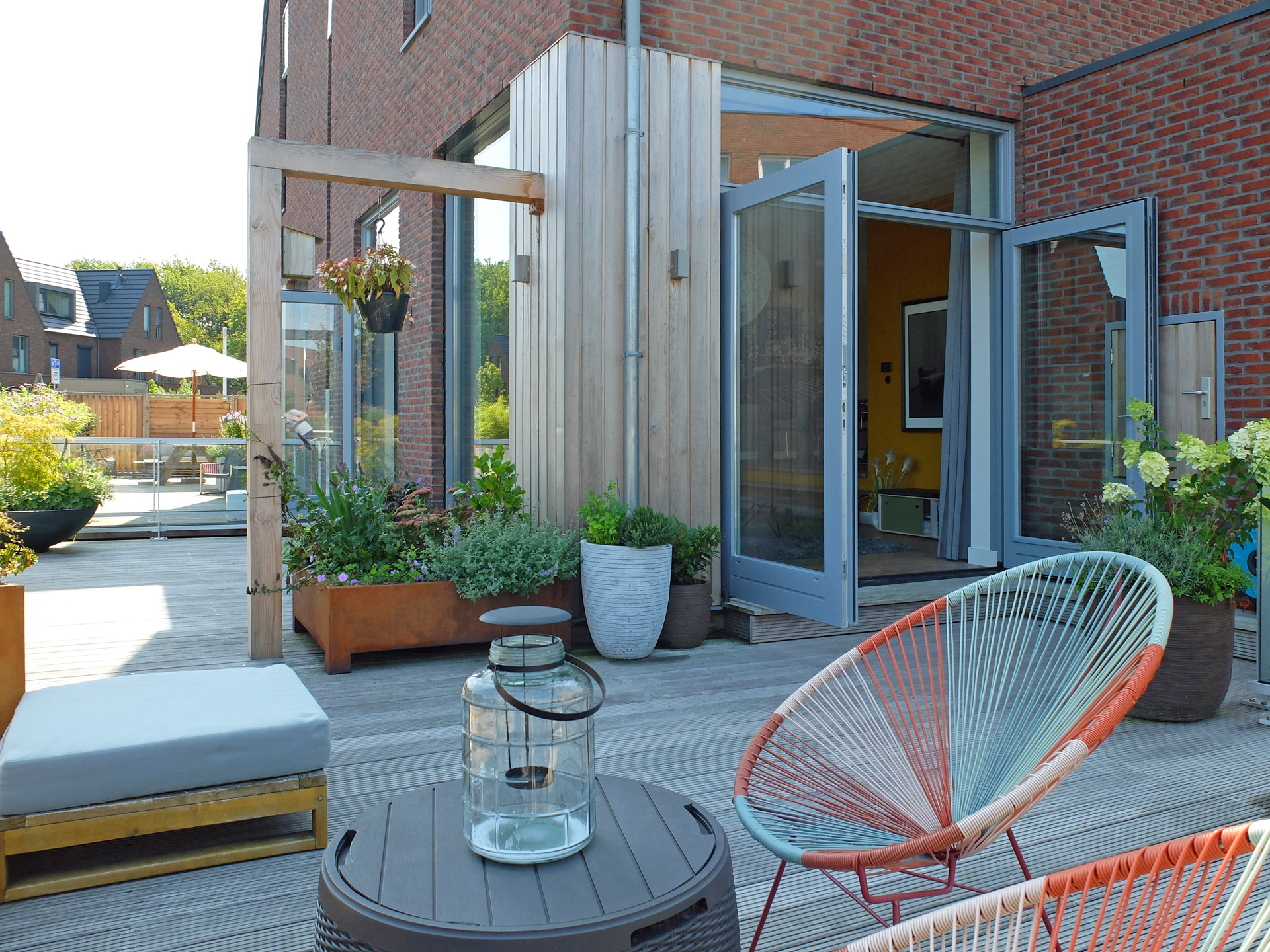 LAGADO-architects-orange-core-living-room-level-felt-residential-interior-at-home-terrace