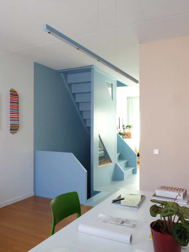 10-Lagado-architects-workhome-playhome-Rotterdam-interior-blue-stair-studio-pink-bamboo-by-LAGADO-Architects